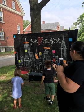 kids-on-mural